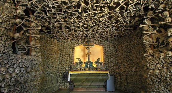 czaszki - 14 niezwykłych miejsc w Polsce, które istnieją naprawdę