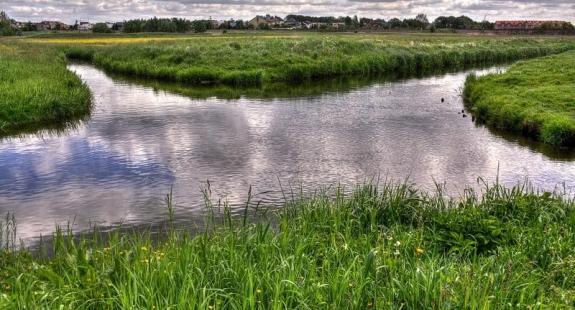 skrzyzowanie rzek - 14 niezwykłych miejsc w Polsce, które istnieją naprawdę