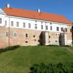 zamek w sandomierzu noclegowo 150x150 - Miejsca na wakacje dla młodych w Polsce