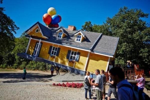 8617 204 farma iluzji - 10 bajecznych parków rozrywki w Polsce