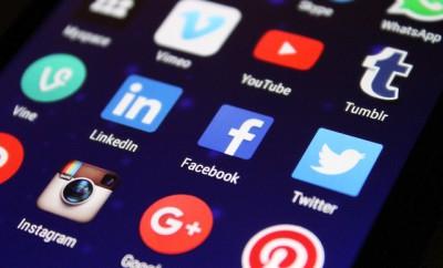 Nocleg w social media