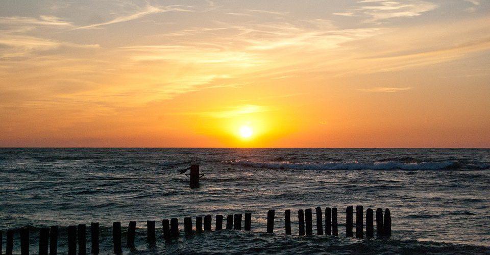 chałupy 960x500 - Szlakiem polskich plaż - wschodnie wybrzeże