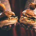 burger 3365223 1920 3 150x150 - Polskie miasta, które warto odwiedzić w weekend