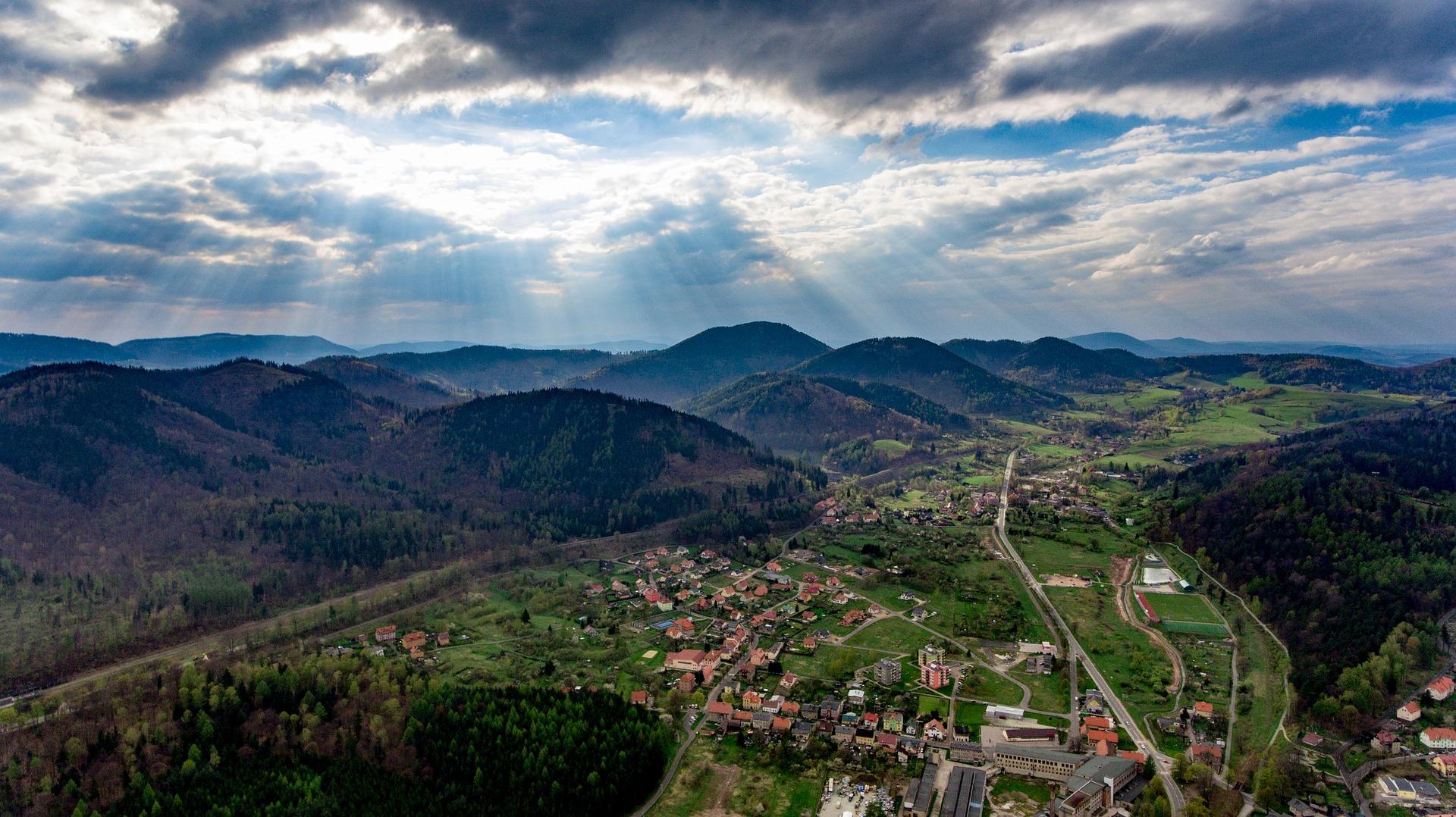 jedlina zdroj - Piękne wsie południowej Polski - 4 miejsca, do których koniecznie musisz pojechać!