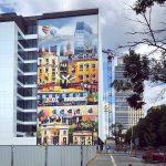 Miasto nie musi być szare i nudne, czyli nowy mural w Warszawie