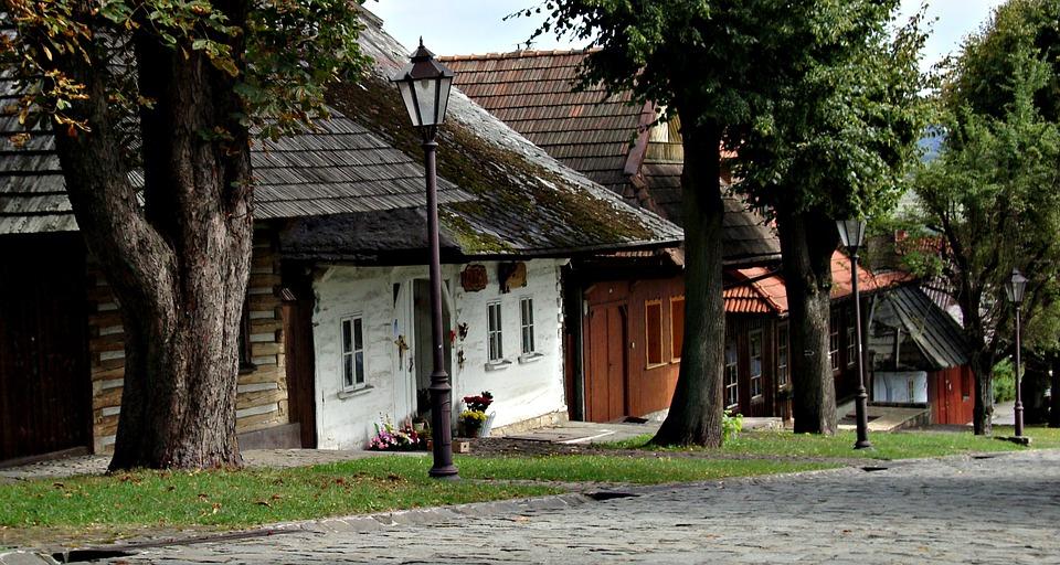 lanckorona 1053249 960 720 - Najbardziej romantyczne miejsca w Polsce - TOP 5