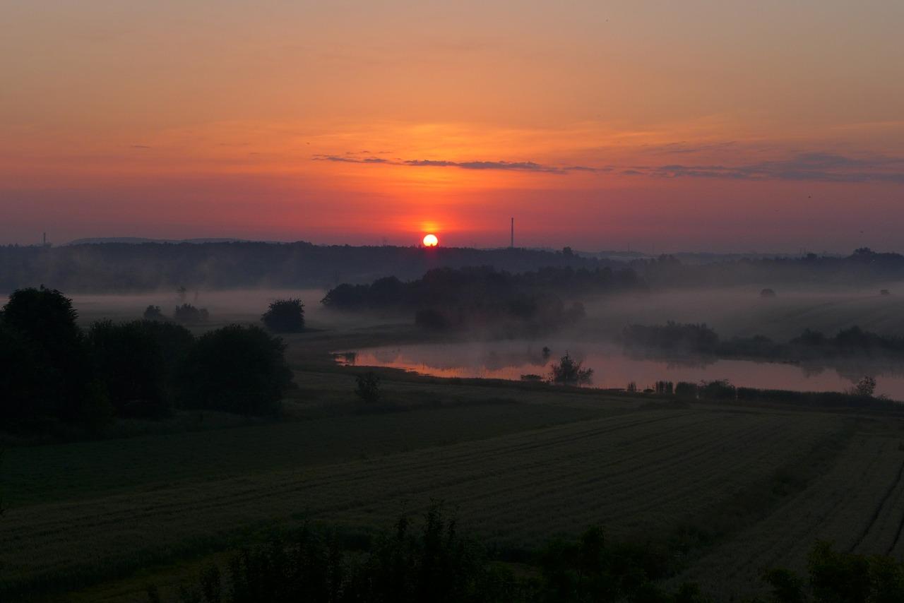 sunrise 462514 1280 - Odkryj zakątki województwa Śląskiego