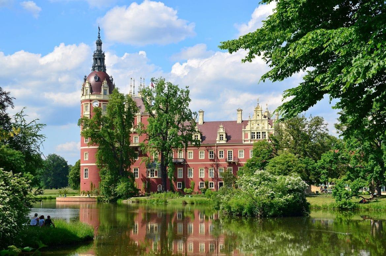 164 nowy zamek park muzakowskiBLOGDUZEBLOG 1170x775 - Piękne miejsca tuż przy granicy z Polską