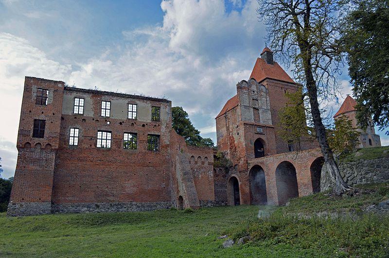 Zamek Szymbark 2 - 3 niezwykłe miejsca na Mazurach - tylko dla prawdziwych pasjonatów