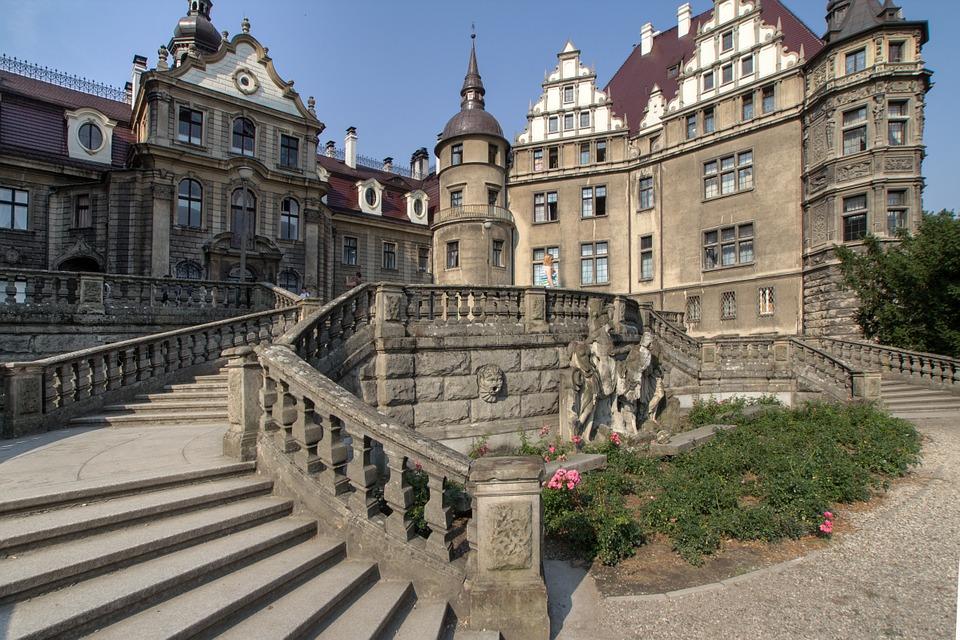 sabine 930773 960 720 - Poznaj zaskakujące fakty o zamku w Mosznej!