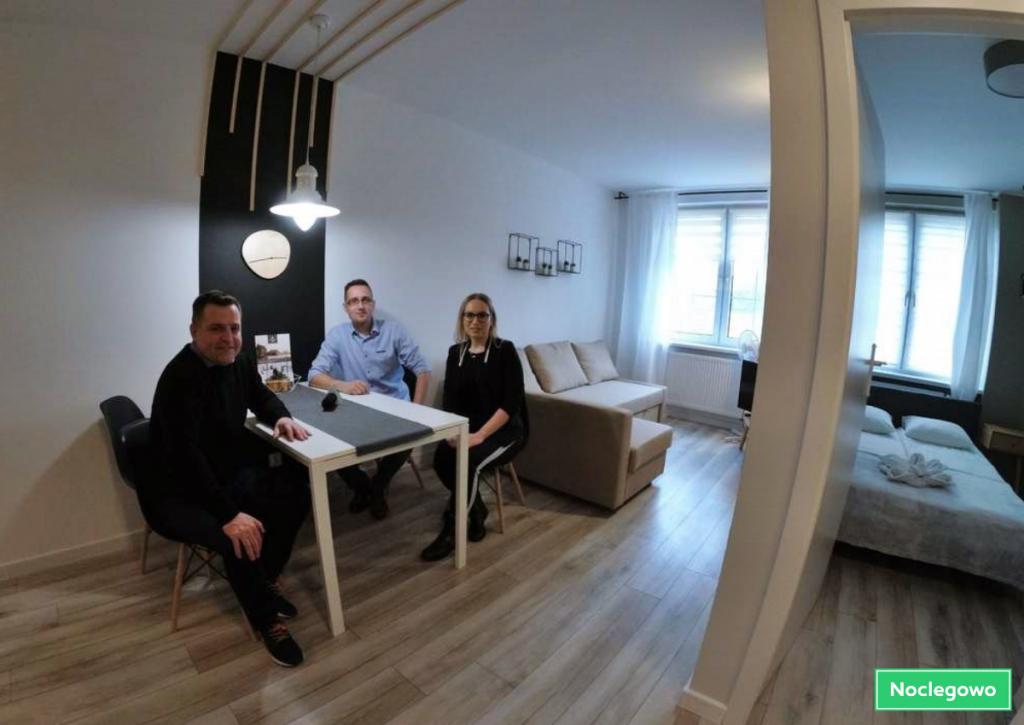 Projekt bez tytułu 6 1024x725 - Jak zrobić idealne zdjęcie apartamentu? Wywiad z Tomaszem Burconem