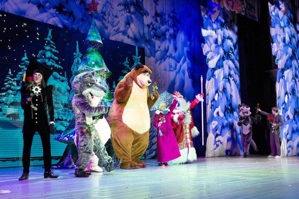 MaszaIniedźwiedź foto 5 1024x683 - Świąteczne widowisko Masza i Niedźwiedź - dawka rozrywki dla całej rodziny