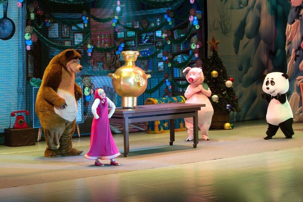MaszaIniedźwiedź foto 7 1024x683 - Świąteczne widowisko Masza i Niedźwiedź - dawka rozrywki dla całej rodziny