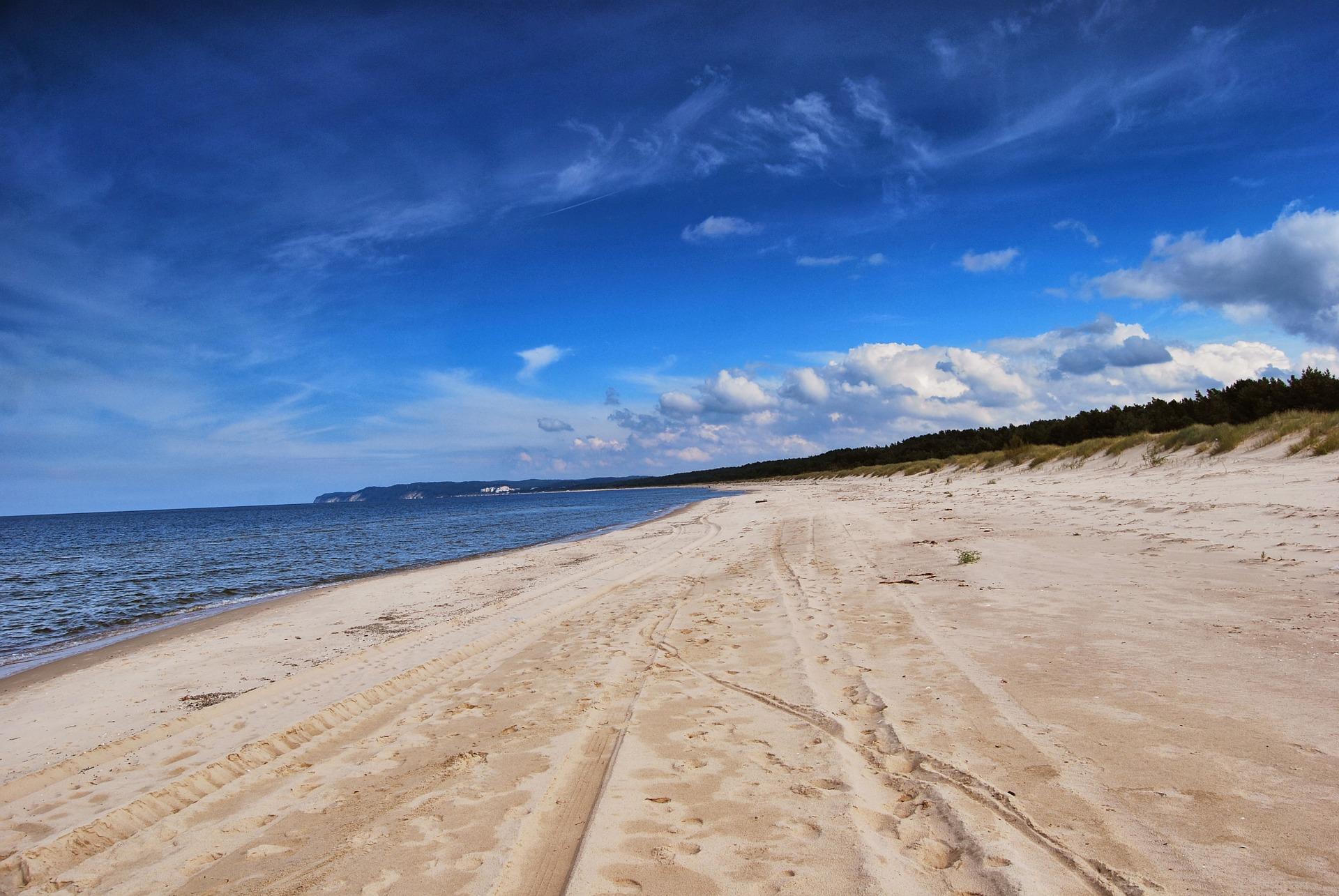 beach 647938 1920 - Pogoda na wakacje 2019. Kiedy będą upały?