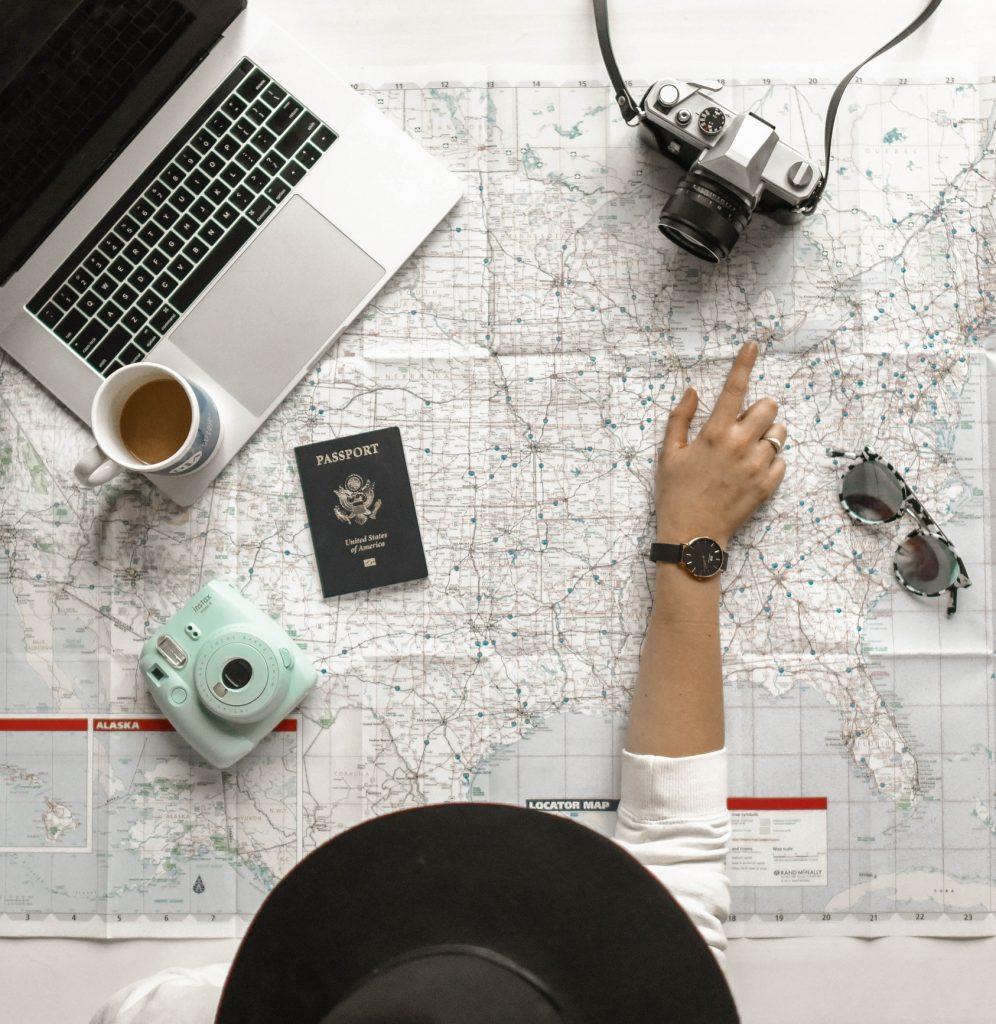 element5 digital uE2T1tCFsn8 unsplash 996x1024 - Jak podróżować samemu?