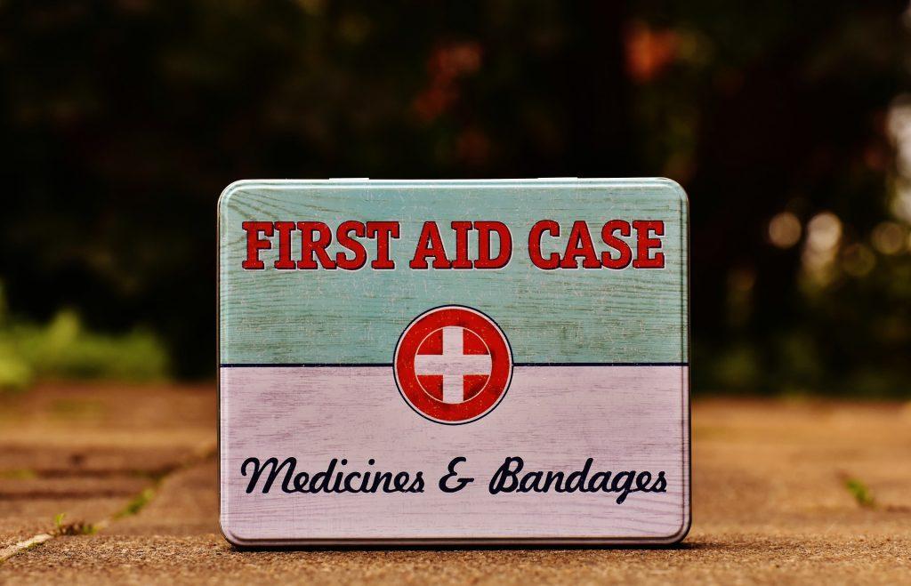 Obrazek posiada pusty atrybut alt; plik o nazwie first-aid-1732529_1920-1024x659.jpg