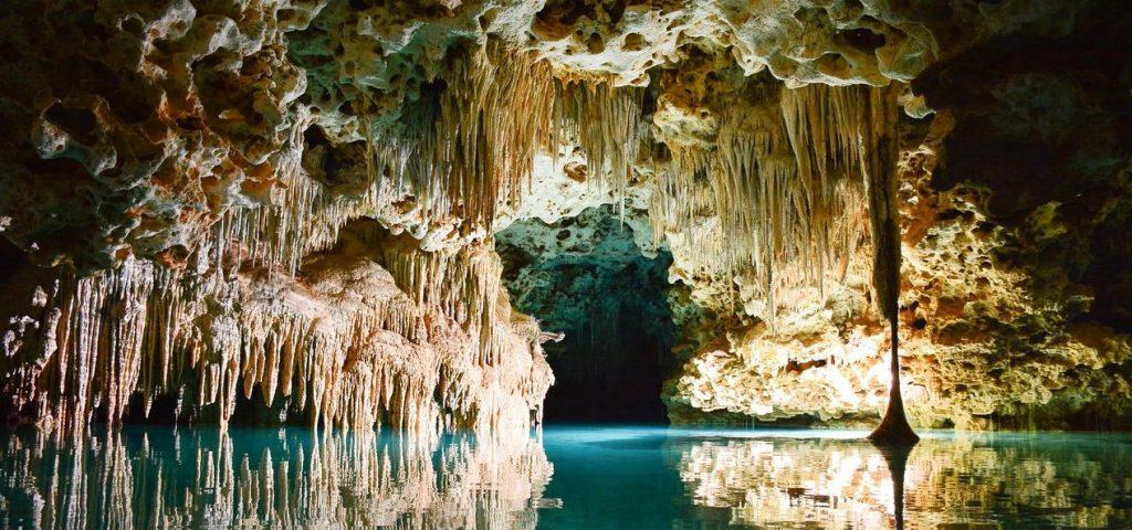 jaskinia raj 1024x480 - Jurty na Kaszubach? Sprawdź to i inne wyjątkowe miejsca w Polsce, które musisz zobaczyć!
