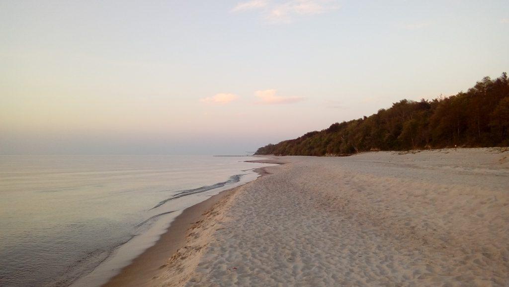 Plaża w Pustkowie 3 1024x577 - Spokojne miejscowości nad Bałtykiem. Top 5 miejsc w sielskim stylu.