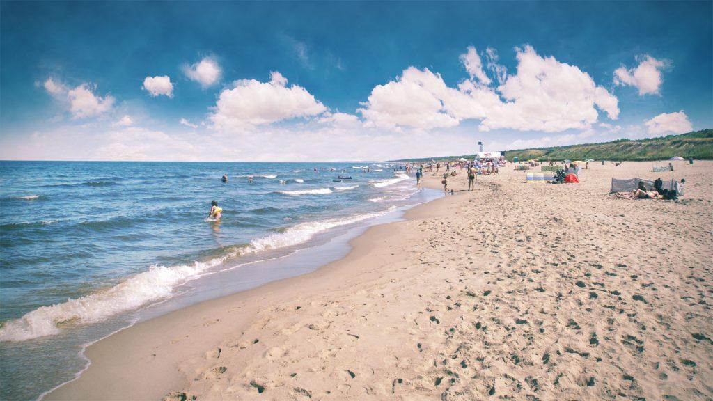 piaski2 1024x576 - Spokojne miejscowości nad Bałtykiem. Top 5 miejsc w sielskim stylu.