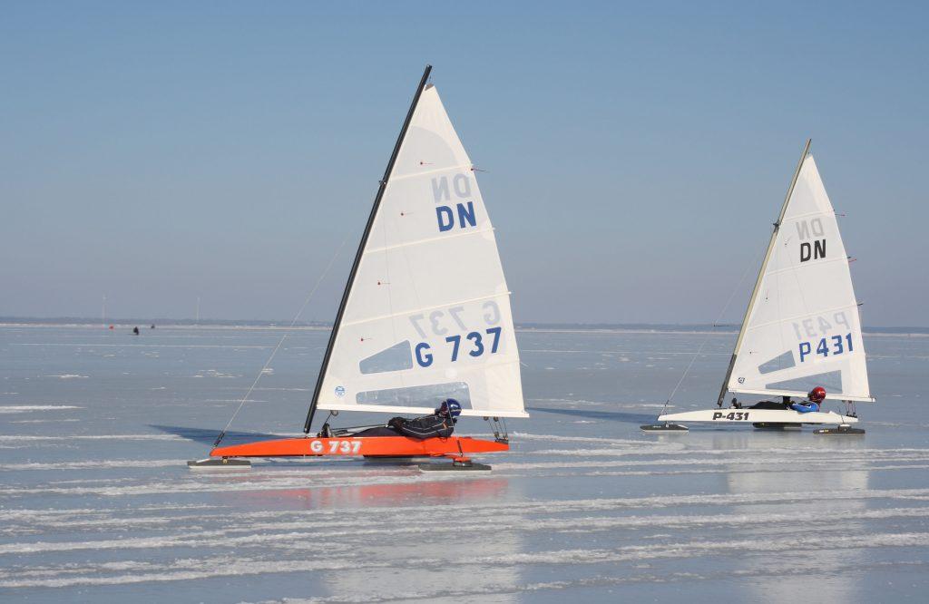 Dn nasva 0850 1024x666 - Co robić zimą na Mazurach? Spróbuj żeglarstwa lodowego.