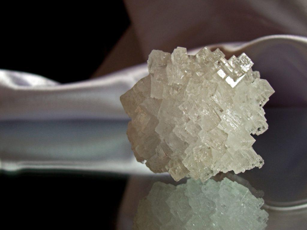 crystal 955935 1280 1024x768 - Kopalnia w Wieliczce. Jaka jest jej historia?