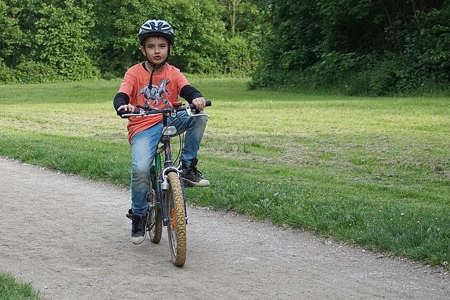 dzieckonarowerze - Dlaczego warto wybrać się na rower z dziećmi? Porady dla rodzica