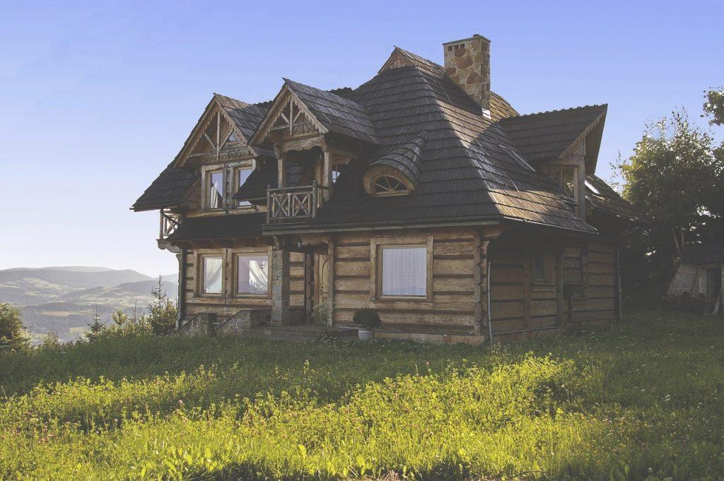 house 1142297 1280 1024x681 - Turystyka po koronawirusie - jak będą podróżować Polacy?