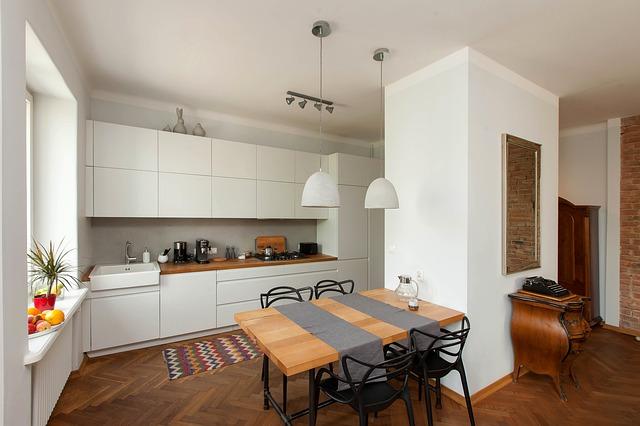kitchen 4494167 640 - Jak przygotować obiekt noclegowy na 2021?