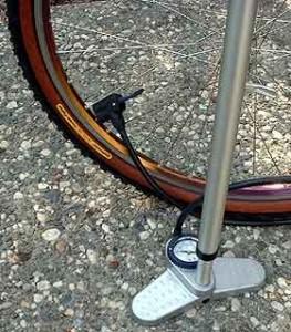 kolo2 - Jak napompować koło (oponę) w rowerze? Poradnik krok po kroku