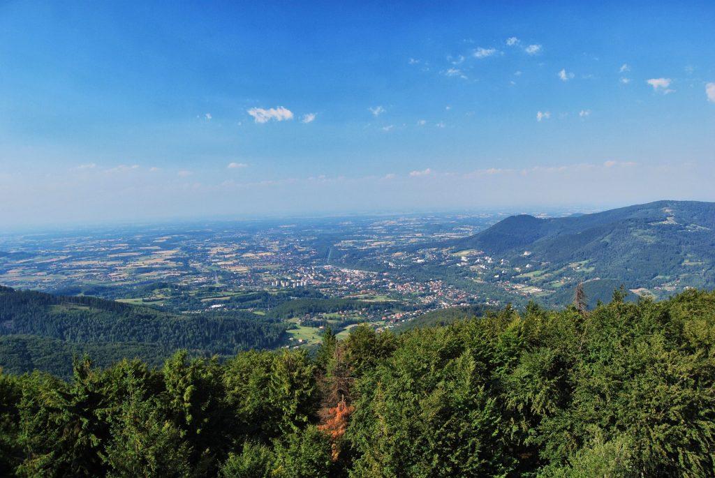 mountains 647941 1920 1024x685 - Miasta nad Wisłą. Gdzie ma źródło i gdzie kończy swój bieg Wisła?