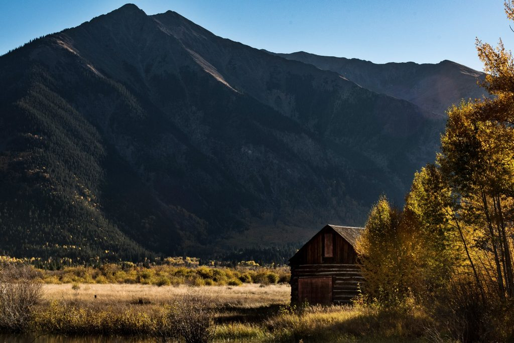 nathan anderson yI6t53h9lZA unsplash 1024x683 - Jesienny weekend w górach - Beskidy.