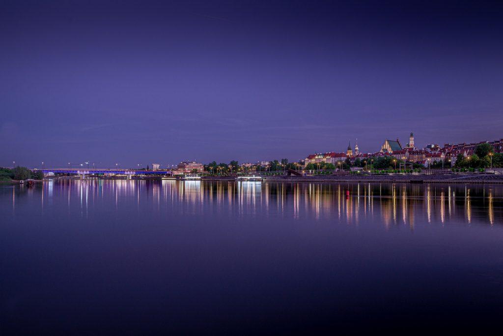 panorama of warsaw 4346829 1920 1024x683 - Nietypowe restauracje w Polsce. Jakie miejsca warto odwiedzić?