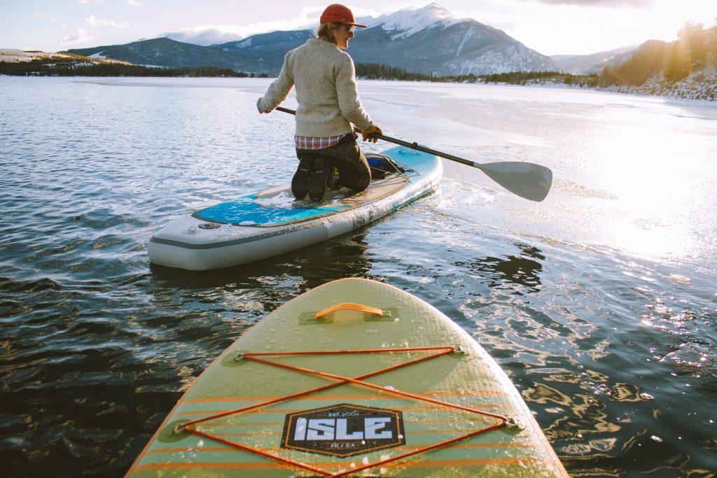photo 1517176118179 65244903d13c 1024x683 - Co robić zimą na Mazurach? Spróbuj żeglarstwa lodowego.