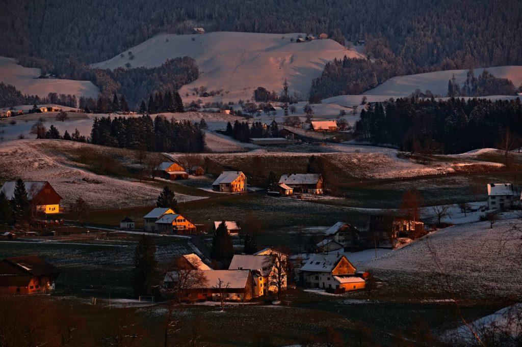 photo 1521656825672 07952add9be4 1 1024x682 - Gdzie warto pojechać zimą? Niebanalne górskie propozycje.