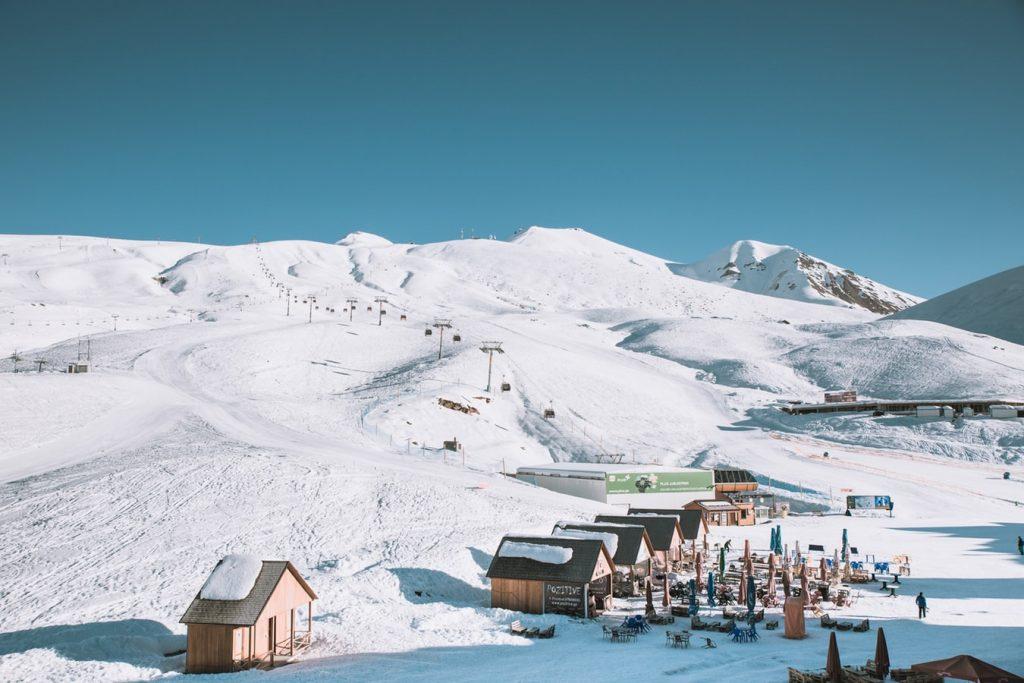 photo 1546706442 373624e9c90b 2 1024x683 - Gdzie na narty? Przegląd najlepszych ośrodków narciarskich.