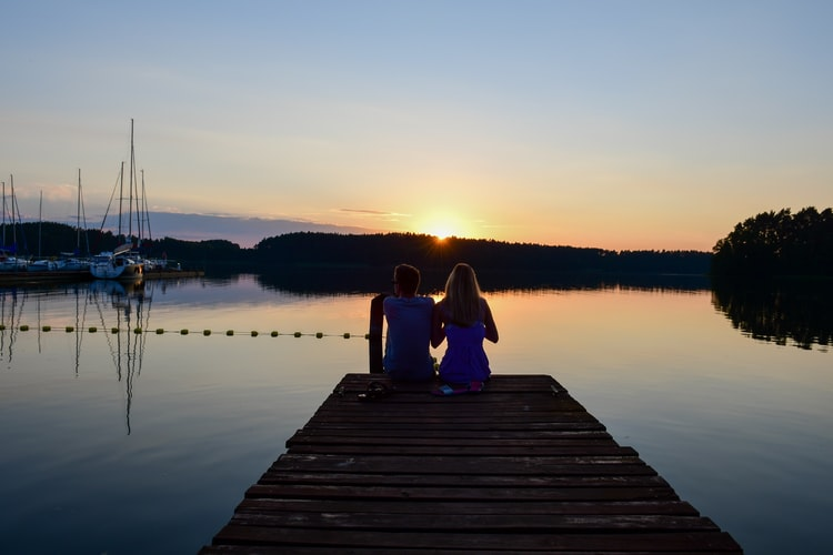 photo 1610749846222 aa0aeb4e6f08 - Szwajcaria Kaszubska - domki nad jeziorem w sercu Kaszub