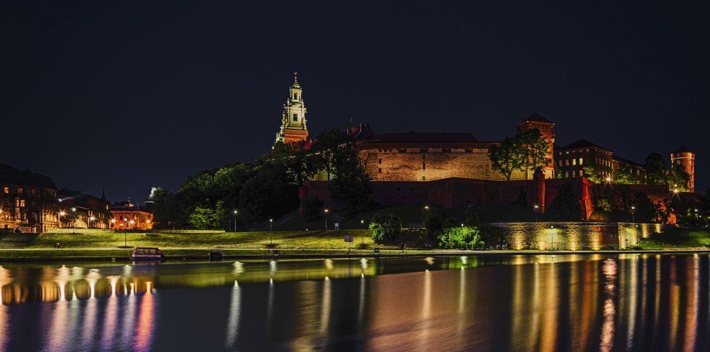 poland 1449357 1920 1024x508 - Nietypowe restauracje w Polsce. Jakie miejsca warto odwiedzić?
