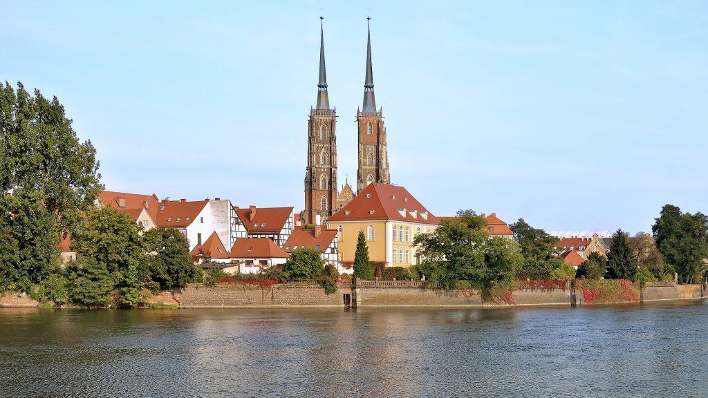 poland 3096512 1920 1024x576 - Nietypowe restauracje w Polsce. Jakie miejsca warto odwiedzić?
