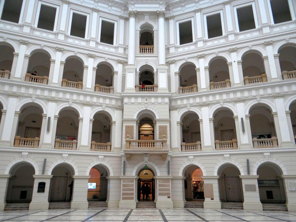 polytechnic institute 2898493 1280 1 1024x768 - Najpiękniejsze miejsca w Warszawie - Gmach Główny Politechniki Warszawskiej