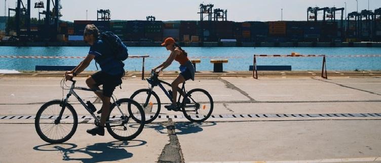 Ile kalorii można spalić na rowerze? Jazda na rowerze a..