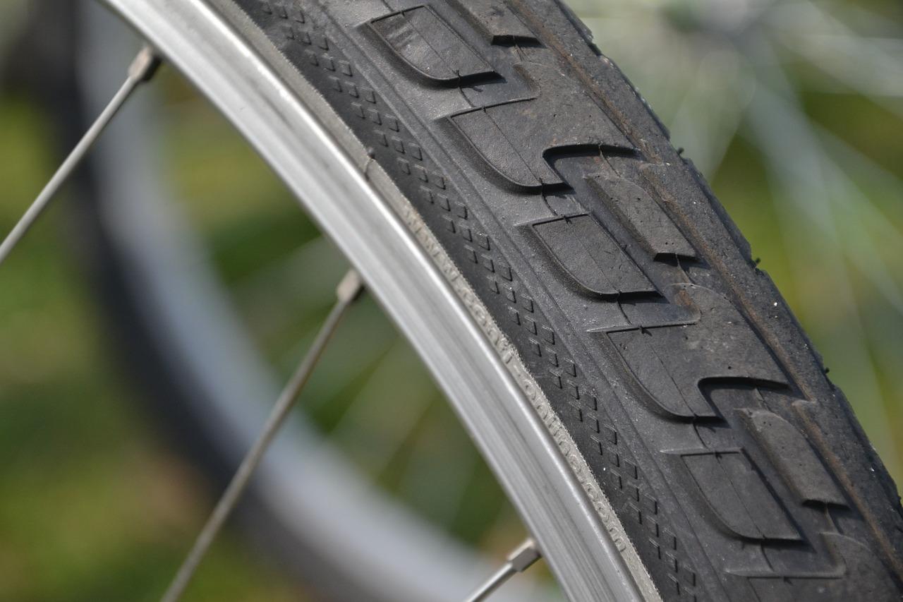 rowerowa opona - Wiosna nadchodzi! Jak przygotować rower do sezonu?