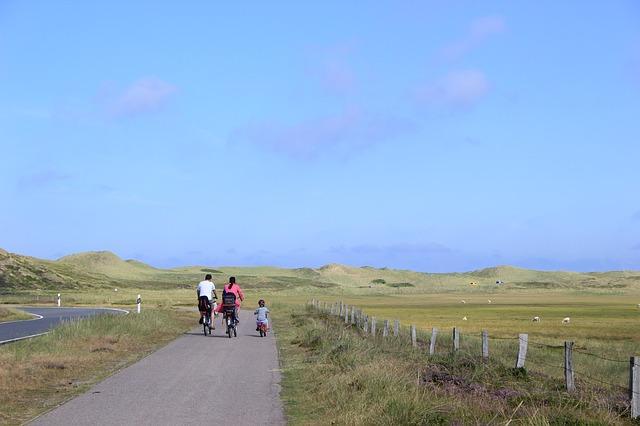 rowerzrodzina - Dlaczego warto wybrać się na rower z dziećmi? Porady dla rodzica