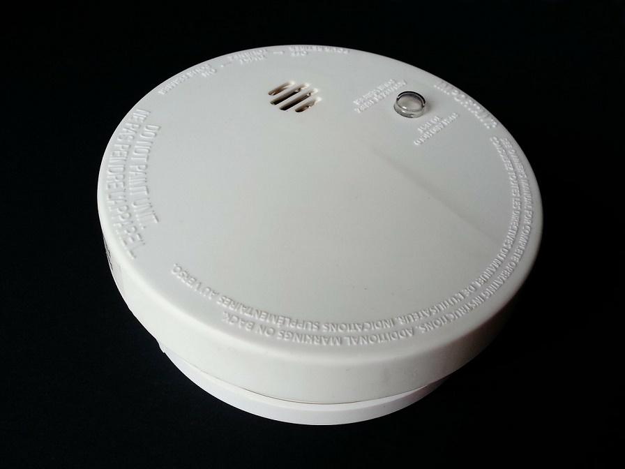 smoke 315874 1280 - 5 podstawowych elementów bezpieczeństwa w obiekcie na wynajem