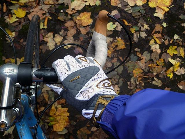 stroj - Jak przygotować się do jesiennych wypraw rowerowych?