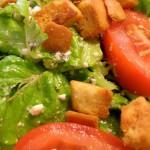 Przepisy na sałatki na Sylwestra – pyszne i szybkie