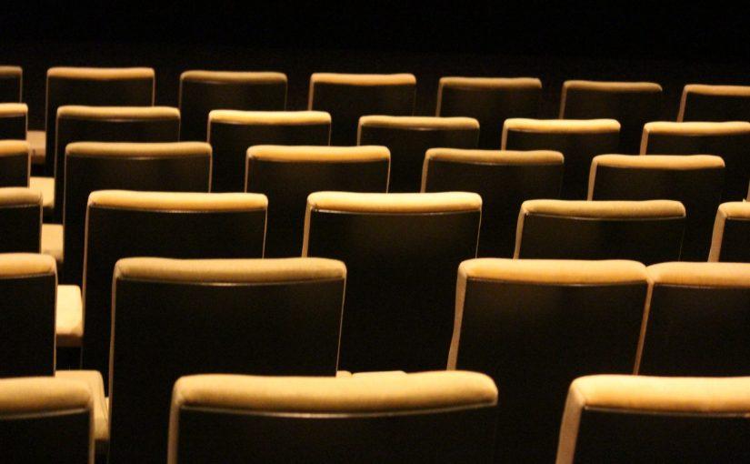 Teatr w Sylwestra – sprawdź gdzie spędzić kameralnie Sylwestra