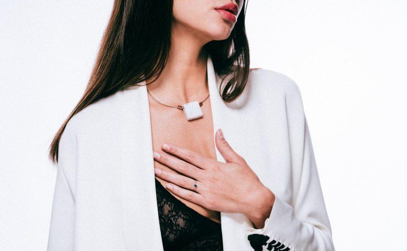 Biżuteria na Sylwestra – sprawdź najnowsze trendy!