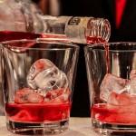 Pyszne drinki sylwestrowe – 5 prostych przepisów